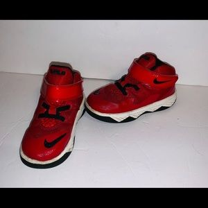 Nike LeBron Soldier 8 shoes size 8c